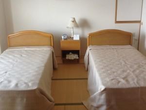 体験入居室ベッド②